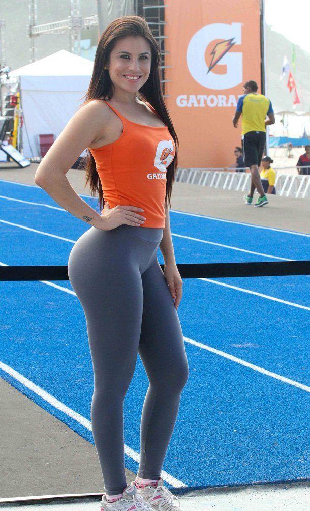 Yoga Pants highlights the curves